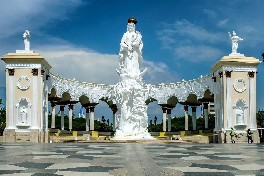 Monumento a Nuestra Señora de Chiquinquirá