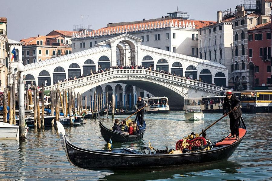 Gondolas en Venecia, Italia